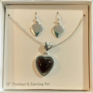 Jewelry - Heart Earrings and necklace gift set nib